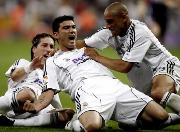 Reyes qua đời sau tai nạn giao thông, cả thế giới bóng đá khóc thương cho một kèo trái từng làm điên đảo cầu trường - Ảnh 2.