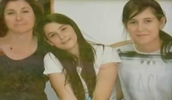 Bí ẩn cái chết của người phụ nữ cùng hai con gái bị bỏ đói trong căn hộ khóa trái cửa suốt 2 tháng - Ảnh 1.