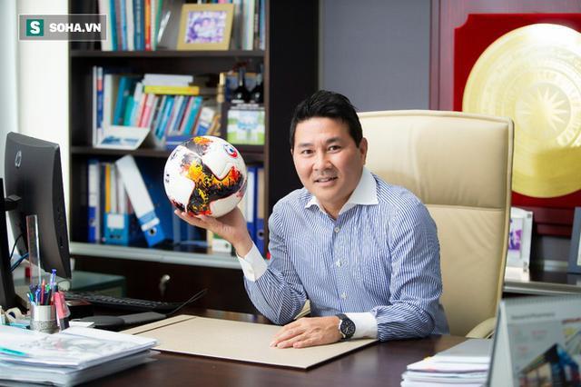 Bầu Đức tiết lộ danh tính người sẵn sàng xoay 200 tỷ đồng lo lương cho HLV Park Hang-seo - Ảnh 1.