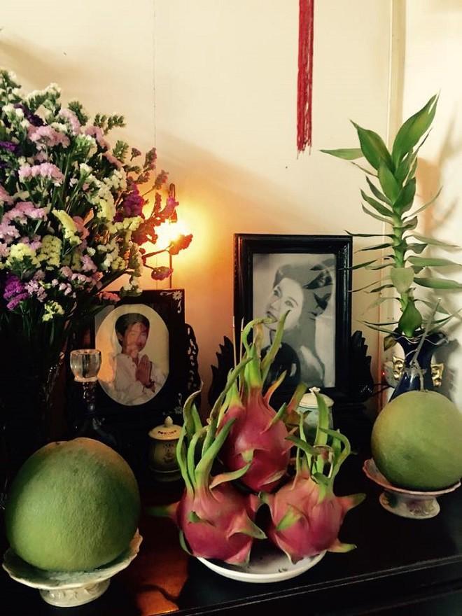 Chuyện kỳ lạ showbiz Việt: Lập bàn thờ bạn thân, gia đình ai cũng ủng hộ - Ảnh 1.