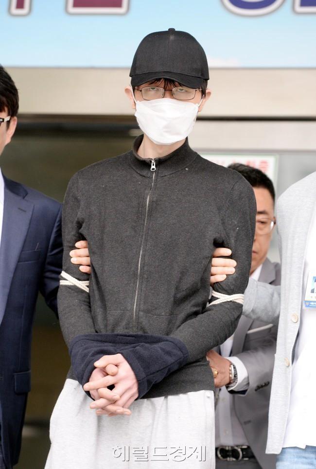 Vụ án giết người ám ảnh phụ nữ Hàn Quốc: Kẻ thú ác gây án vì ghét nữ giới, cảnh sát đổ hết lỗi lầm cho căn bệnh tâm thần - Ảnh 3.