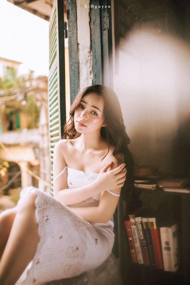 Chân dung hot girl thủ vai em gái mưa gây bức xúc nhất màn ảnh Việt - Ảnh 9.