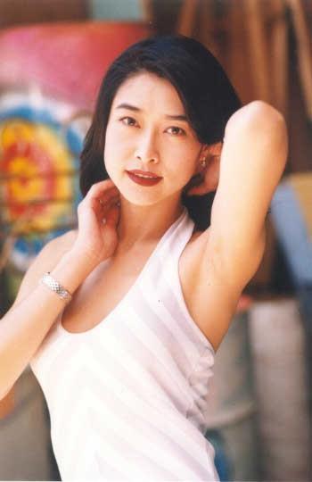 Cô gái vàng trong làng phim nóng Diệp Ngọc Khanh: Nữ hoàng 18+ hóa phú bà bạc tỷ, cuộc sống mỹ mãn nhờ mối tình vỏn vẹn 6 tháng - Ảnh 3.