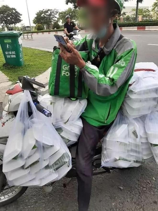 Xuất hiện câu chuyện nữ sinh Sài Gòn boom 150 hộp cơm và 22 ly trà sữa khiến dân mạng tranh cãi: Trò ác lặp lại hay chỉ câu like? - Ảnh 2.
