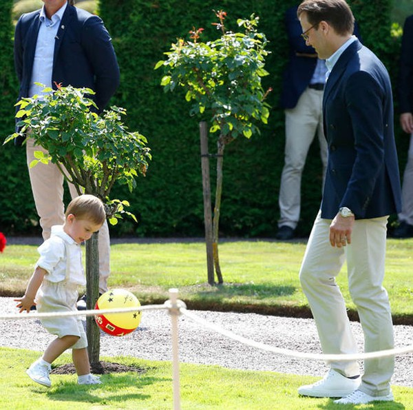 Thêm một Hoàng tử nhỏ khiến người hâm mộ hoàng gia phát cuồng, trở thành đối thủ đáng gờm của George với những điểm ấn tượng - Ảnh 6.
