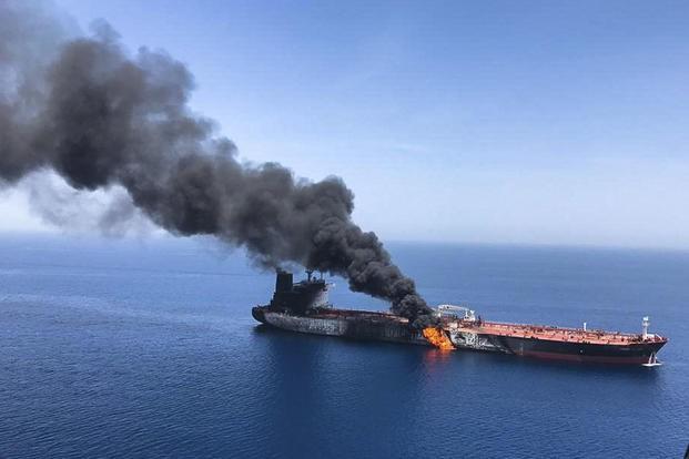 Mỹ-Iran đang chơi những nước cờ nguy hiểm bên ngưỡng cửa chiến tranh: Sai một bước, đi vạn dặm - Ảnh 10.