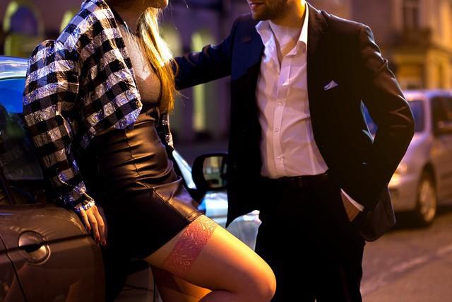 Chuyện lạ: Thụy Điển hợp pháp hóa mại dâm nhưng người làm nghề lại bất bình - Ảnh 3.