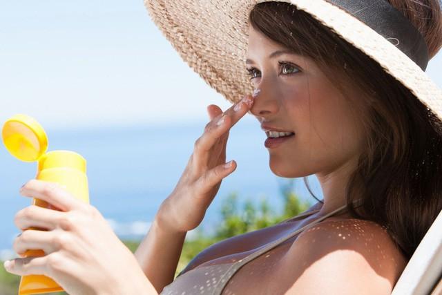 Cảnh báo: Nắng nóng ở HN đang gây nguy hiểm, cần biết điều sau để tránh bỏng da, ung thư - Ảnh 2.