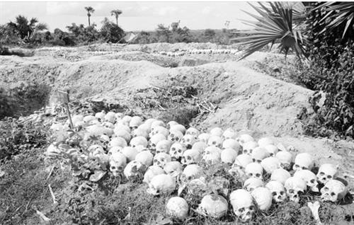 Chiến trường K: Lính tình nguyện Việt Nam tận mắt thấy hố chôn tập thể - Thật khủng khiếp - Ảnh 4.