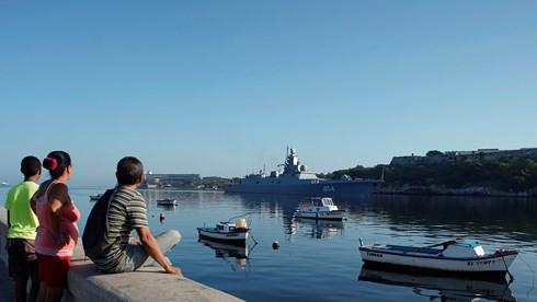 """Tàu chiến Nga xuất hiện ở """"cửa ngõ"""" nước Mỹ, Washington vội điều tàu giám sát - Ảnh 1."""