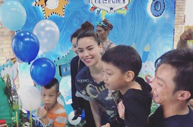 Dù gia đình ly tán, Subeo vẫn được tận hưởng 5 sinh nhật trọn vẹn với sự hiện diện của cả bố lẫn mẹ - Ảnh 11.