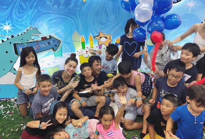 Dù gia đình ly tán, Subeo vẫn được tận hưởng 5 sinh nhật trọn vẹn với sự hiện diện của cả bố lẫn mẹ - Ảnh 12.