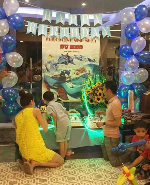 Dù gia đình ly tán, Subeo vẫn được tận hưởng 5 sinh nhật trọn vẹn với sự hiện diện của cả bố lẫn mẹ - Ảnh 3.
