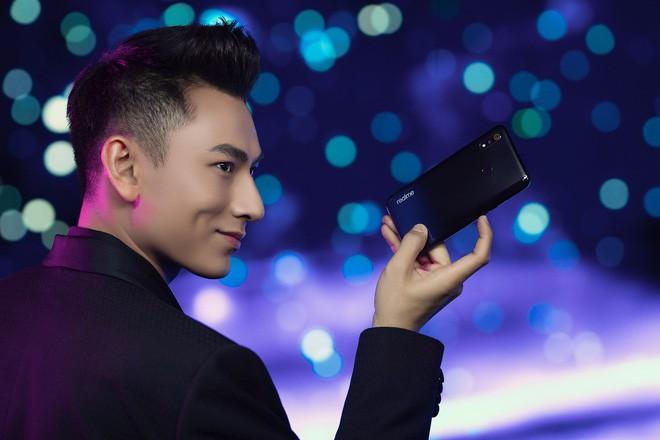 Những ngôi sao giải trí dần vắng bóng trong quảng cáo smartphone Việt, vì sao lại thế? - Ảnh 7.