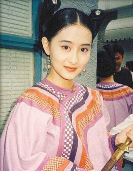 Ngọc nữ phim Quỳnh Dao: Châu Tinh Trì mê mẩn, luôn bị ép đóng cảnh nóng, hết thời đi hát hội chợ - Ảnh 6.