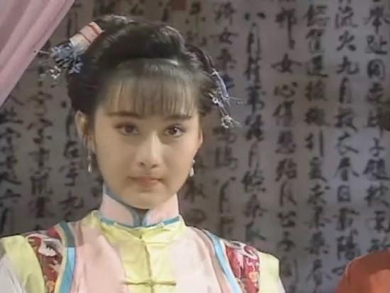 Ngọc nữ phim Quỳnh Dao: Châu Tinh Trì mê mẩn, luôn bị ép đóng cảnh nóng, hết thời đi hát hội chợ - Ảnh 1.