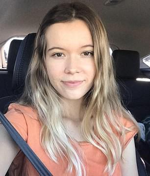 Lặn ngắm san hô, cô gái 21 tuổi mất mạng vì bị đàn cá mập tấn công, mẹ trên bờ bất lực gào thét nhìn con bị cắn xé - Ảnh 2.