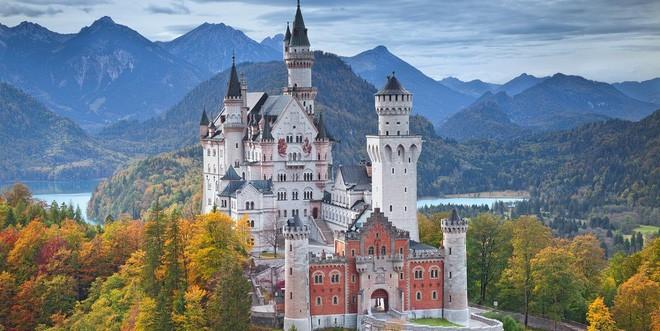 Vua điên xứ Bavaria: Cả đời đắm chìm trong cổ tích ảo mộng, đến cái chết cũng đầy bí ẩn tại tòa lâu đài đẹp nhất châu Âu - Ảnh 12.