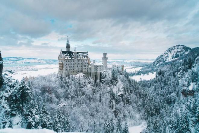 Vua điên xứ Bavaria: Cả đời đắm chìm trong cổ tích ảo mộng, đến cái chết cũng đầy bí ẩn tại tòa lâu đài đẹp nhất châu Âu - Ảnh 13.