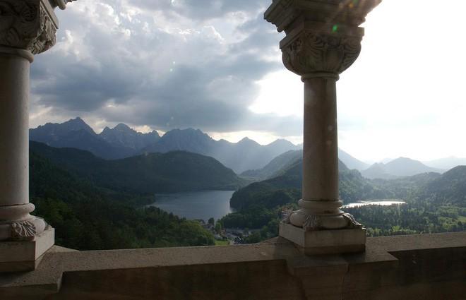 Vua điên xứ Bavaria: Cả đời đắm chìm trong cổ tích ảo mộng, đến cái chết cũng đầy bí ẩn tại tòa lâu đài đẹp nhất châu Âu - Ảnh 15.