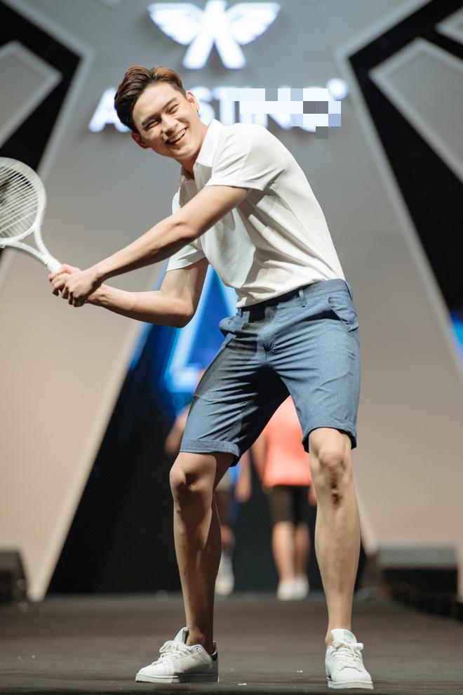 Hà Anh Tuấn biểu diễn cực sung trước 20 nghìn khán giả Hà Nội - Ảnh 13.