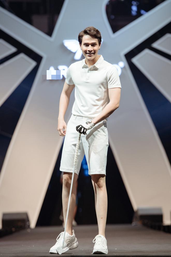 Hà Anh Tuấn biểu diễn cực sung trước 20 nghìn khán giả Hà Nội - Ảnh 12.