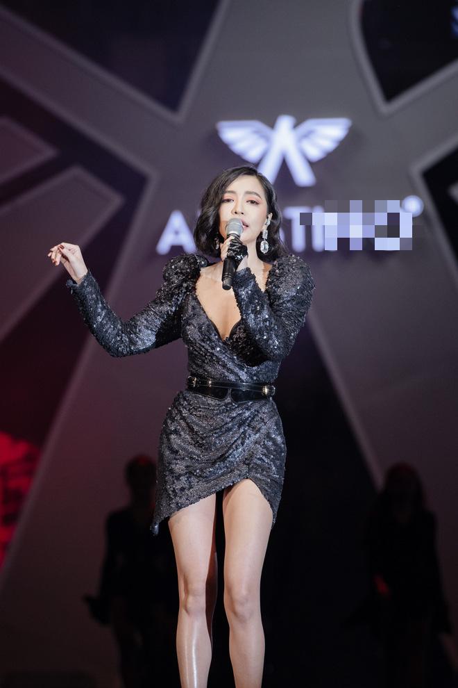 Hà Anh Tuấn biểu diễn cực sung trước 20 nghìn khán giả Hà Nội - Ảnh 8.