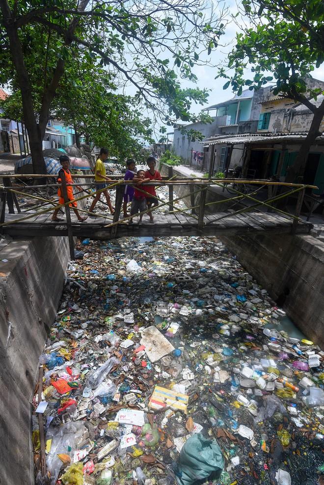 Ban cố vấn WeDo - Cuộc Chiến Trộm Nhựa: Sống xanh không quá khó khăn, nên chúng ta đừng làm khó mình quá - Ảnh 5.