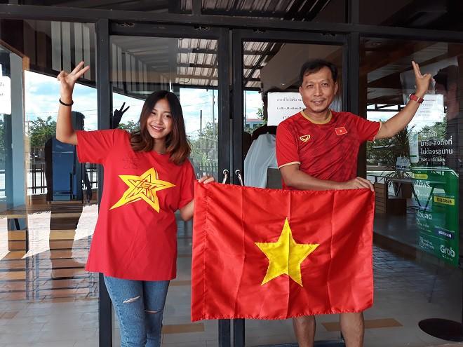 CĐV Thái Lan: Chúng tôi thắng rồi, hi vọng U23 Việt Nam sẽ làm được điều tương tự - Ảnh 1.