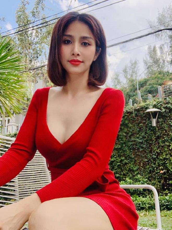 Huỳnh Thảo Trang thay đổi như thế nào sau nhiều năm ly hôn cựu tuyển thủ Phan Thanh Bình? - Ảnh 4.