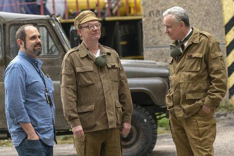 Nhờ series cực ăn khách của HBO, khách du lịch xếp hàng nườm nượp đến thăm thành phố ma Chernobyl - Ảnh 4.