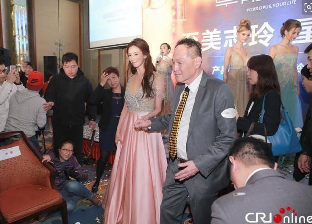 Mỹ nhân được khao khát nhất xứ Đài: Từ chối tỷ phú trăng hoa Hong Kong, U50 lấy chồng kém 8 tuổi  - Ảnh 5.