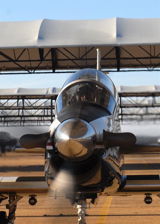 Phi công quân sự Việt Nam mở ra trang sử mới cùng 167 giờ bay cùng phi cơ T-6 tại Mỹ - Ảnh 9.