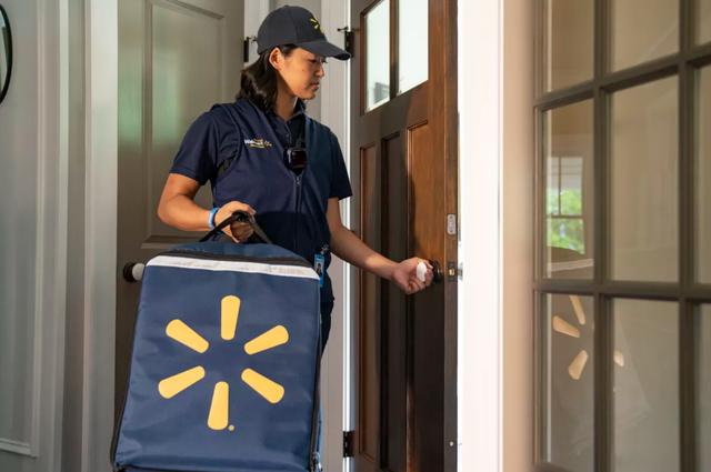 Chuyện lạ có thật: Dịch vụ ship đồ ăn từ siêu thị đến tận ... tủ lạnh - Ảnh 2.
