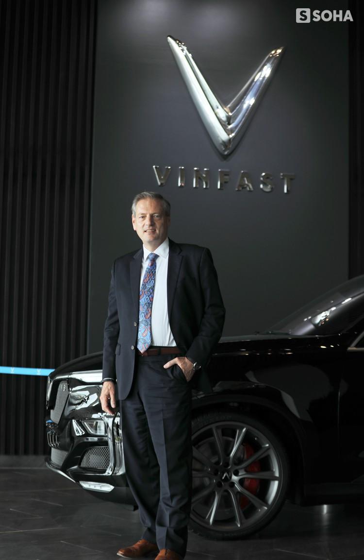 """CEO VinFast: """"Với chúng tôi, sẽ dễ dàng hơn nếu bắt đầu từ cao cấp rồi đi xuống phân khúc thấp"""" - Ảnh 6."""