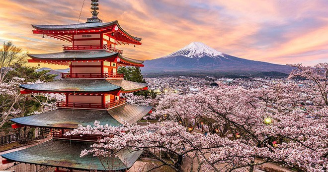 Lý do geisha Nhật Bản luôn bôi son đỏ, quốc kỳ cũng vẽ mặt trời đỏ hay văn hóa cuồng màu rực rỡ của xứ Phù Tang - Ảnh 7.