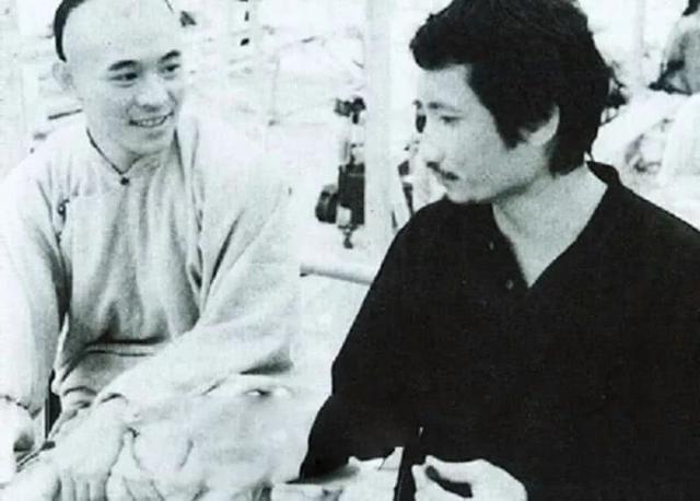 Đạo diễn nổi tiếng sinh tại Việt Nam: Được Châu Tinh Trì nể phục, U70 bỏ vợ theo tình trẻ kém 30 tuổi - Ảnh 2.