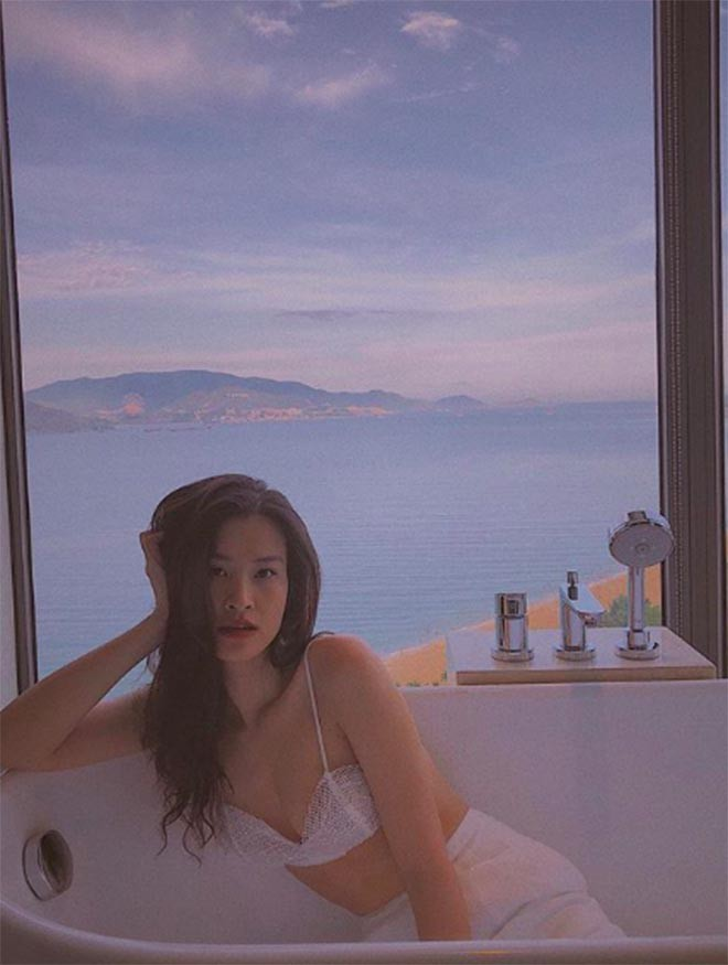 Hình ảnh nóng bỏng của ca sĩ Đông Nhi - Ảnh 7.