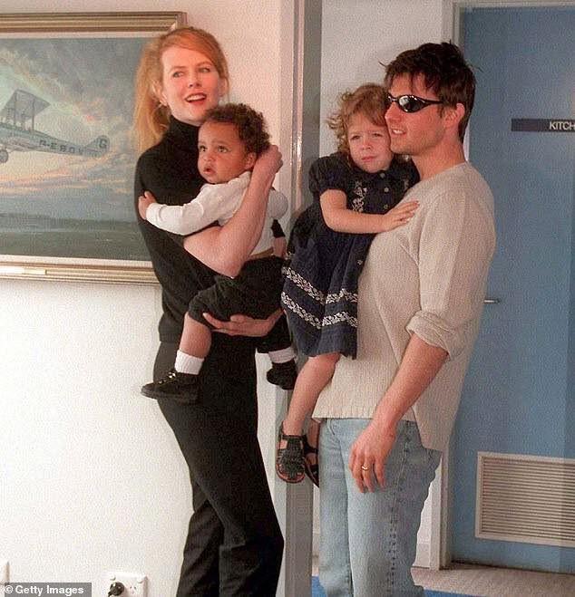 Vén màn bí mật đằng sau việc Tom Cruise từ mặt Suri cũng như 2 con nuôi xa lánh Nicole Kidman - Ảnh 3.