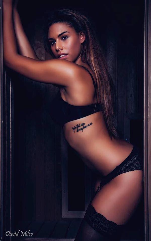 Nhan sắc cựu nữ sinh y khoa bị lộ clip giường chiếu với Lukaku - Ảnh 8.