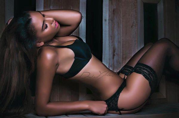 Nhan sắc cựu nữ sinh y khoa bị lộ clip giường chiếu với Lukaku - Ảnh 9.