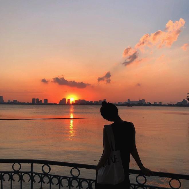 Định vị ngay tọa độ con hẻm nhìn ra hồ Tây cực thơ mộng làm giới trẻ Hà Nội đứng ngồi không yên mấy ngày nay - Ảnh 11.