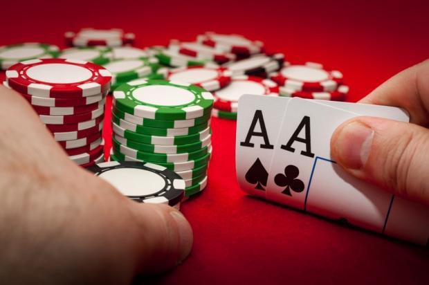 Bằng sức mạnh tính toán siêu phàm, hệ thống AI mới đánh bại cao thủ poker thế giới, kiếm về trung bình 1.000 USD/giờ - Ảnh 3.