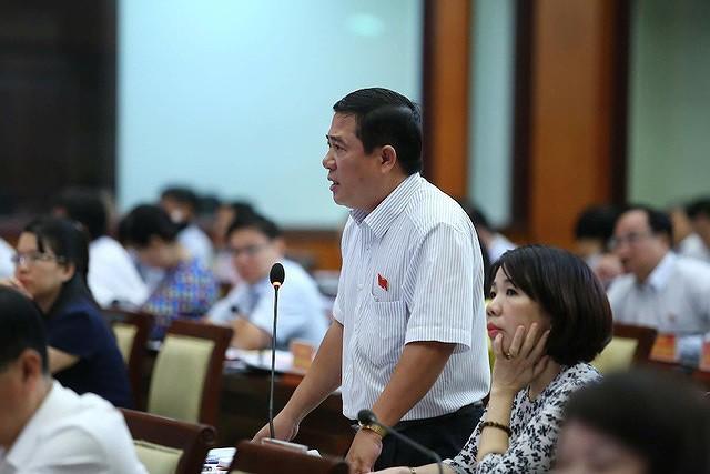 Phó Chủ tịch TPHCM Võ Văn Hoan: Đầu nậu, cò đất xây lụi xã phường biết hết - Ảnh 1.