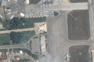 Không quân Nga bất ngờ ồ ạt triển khai chiến đấu cơ mới tới Syria - Dự báo những ngày khốc liệt - Ảnh 1.