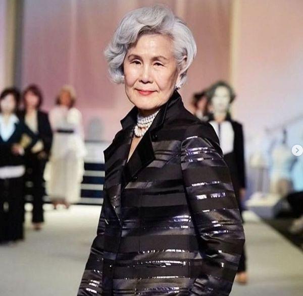 Bỏ việc để trở thành người mẫu chuyên nghiệp, người phụ nữ 77 tuổi khiến giới trẻ nể phục - Ảnh 3.