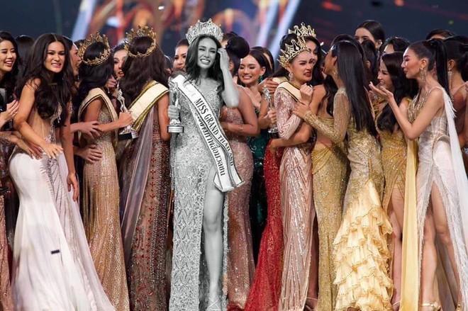 Tân Hoa hậu Hoà bình Thái: Đăng quang trong lạc lõng, không được chúc mừng, bị chỉ trích vì hạ bệ Miss Universe 2018 - Ảnh 2.
