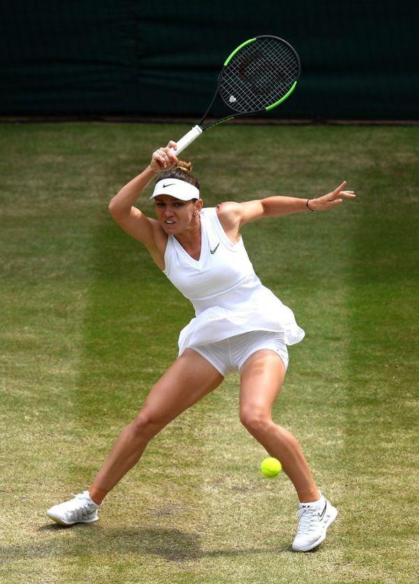 Cảm xúc của Hoa khôi phẫu thuật ngực khủng vô địch Wimbledon - Ảnh 3.