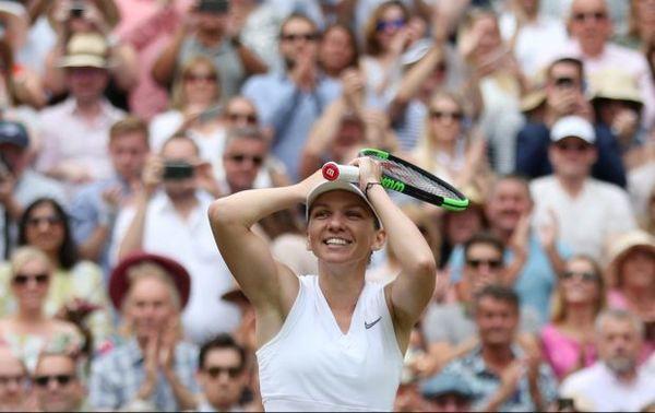 Cảm xúc của Hoa khôi phẫu thuật ngực khủng vô địch Wimbledon - Ảnh 5.