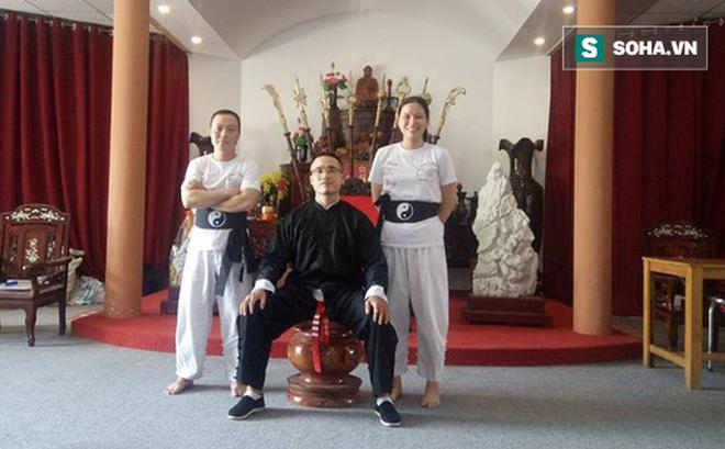 Tổng đàn chủ VXNA giải thích bất ngờ về hành vi đánh túi bụi võ sư Vịnh Xuân - Ảnh 1.